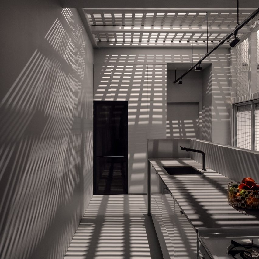 Jean Verville Architecte inserts gridded steel lightwell into Montreal home
