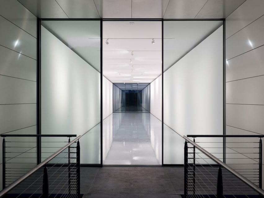 White box gallery