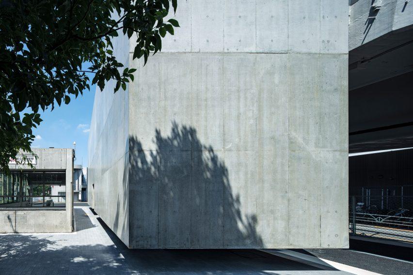 Concrete toilet block