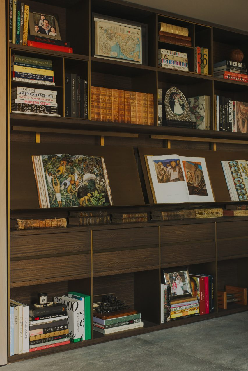 Built-in bookcase in living room of AdH House