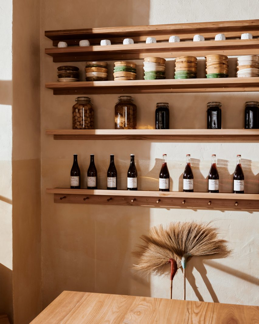 Built-in shelf of Sofi bakery in Berlin by Mathias Mentze, Alexander Vedel Ottenstein and Dreimeta