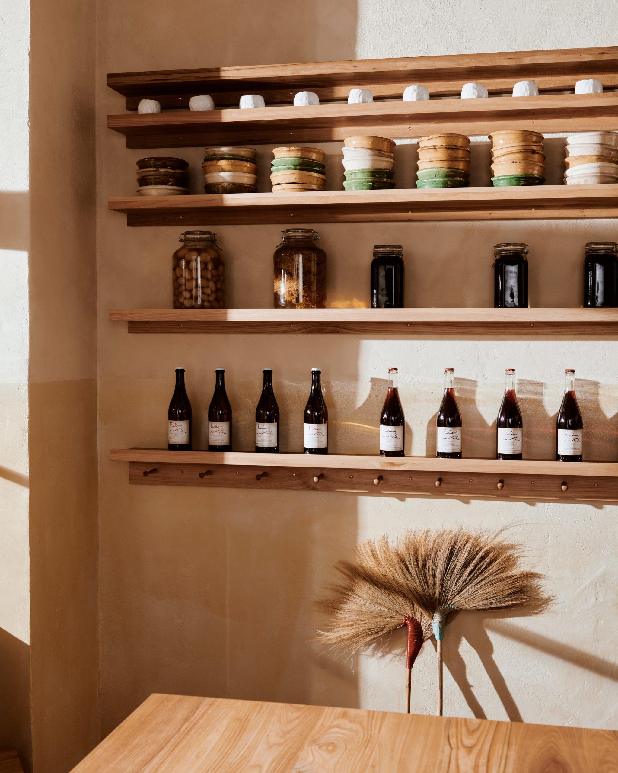 Built-in shelf of Sofi bakery in Berlin by Mathias Mentze, Alexander Vedel Ottenstein and Dreimeta