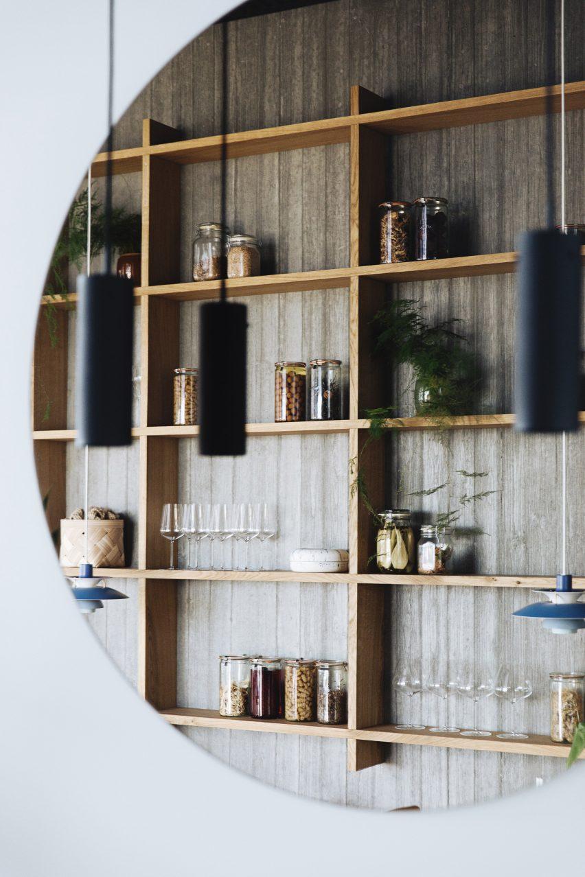 Mirror in Substans restaurant in Aarhus by Krøyer & Gatten