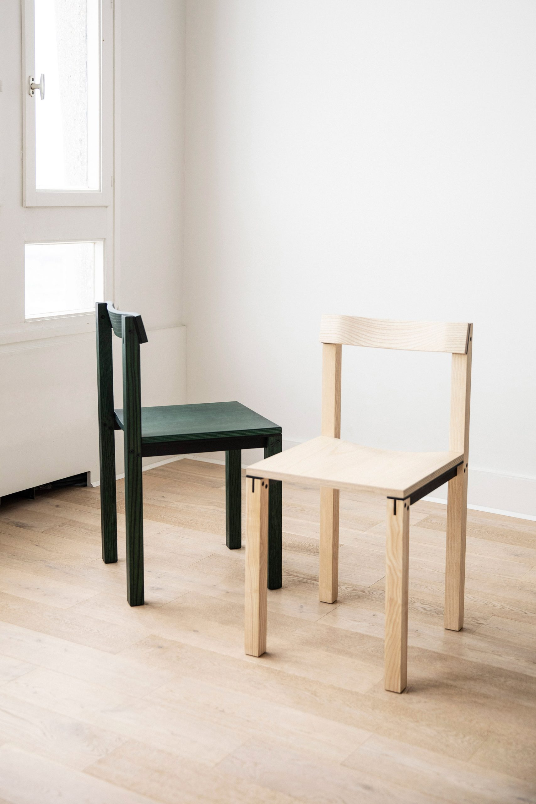 Tal chair in green oak and ash