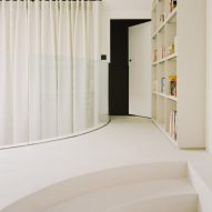 A white-walled mezzanine in a Parisian townhouse by Clément Lesnoff-Rocard
