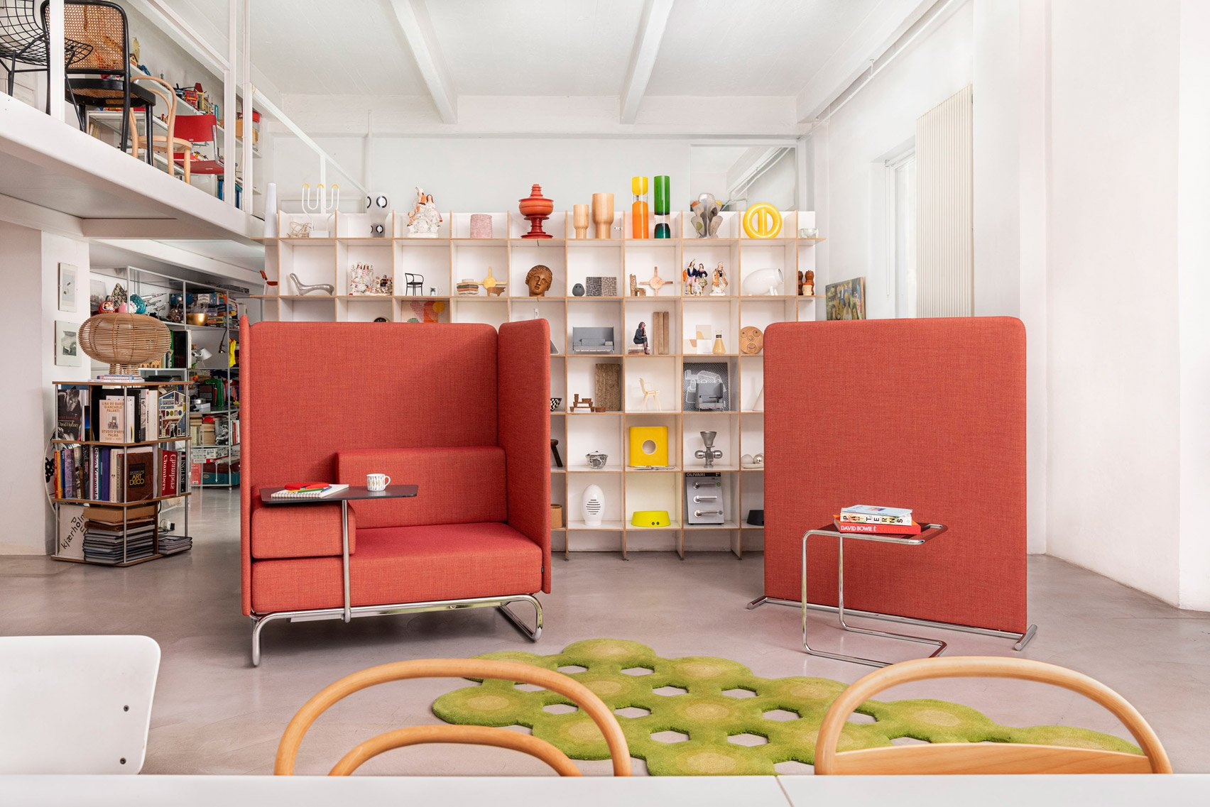 Chair and privacy screen from S 5000 Retreat by Studio Irvine for Thonet