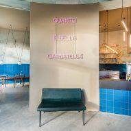 Neon sign in Tre De Tutto by Studio Tamat