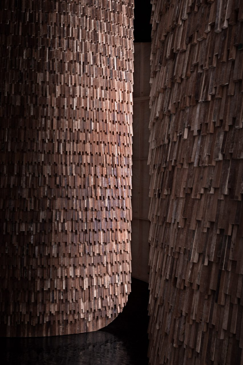 Reclaimed wooden scales on outside of Valencia Pavilion by MUT Design