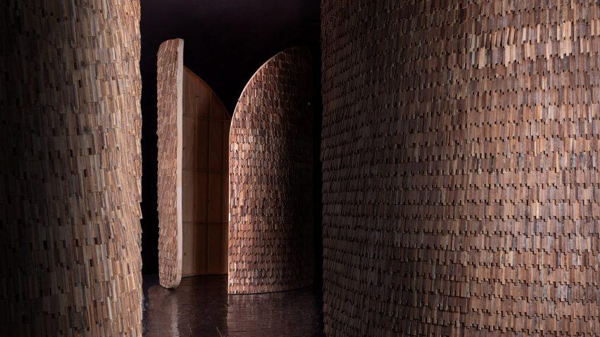 Wood-clad Valencia Pavilion by MUT Design