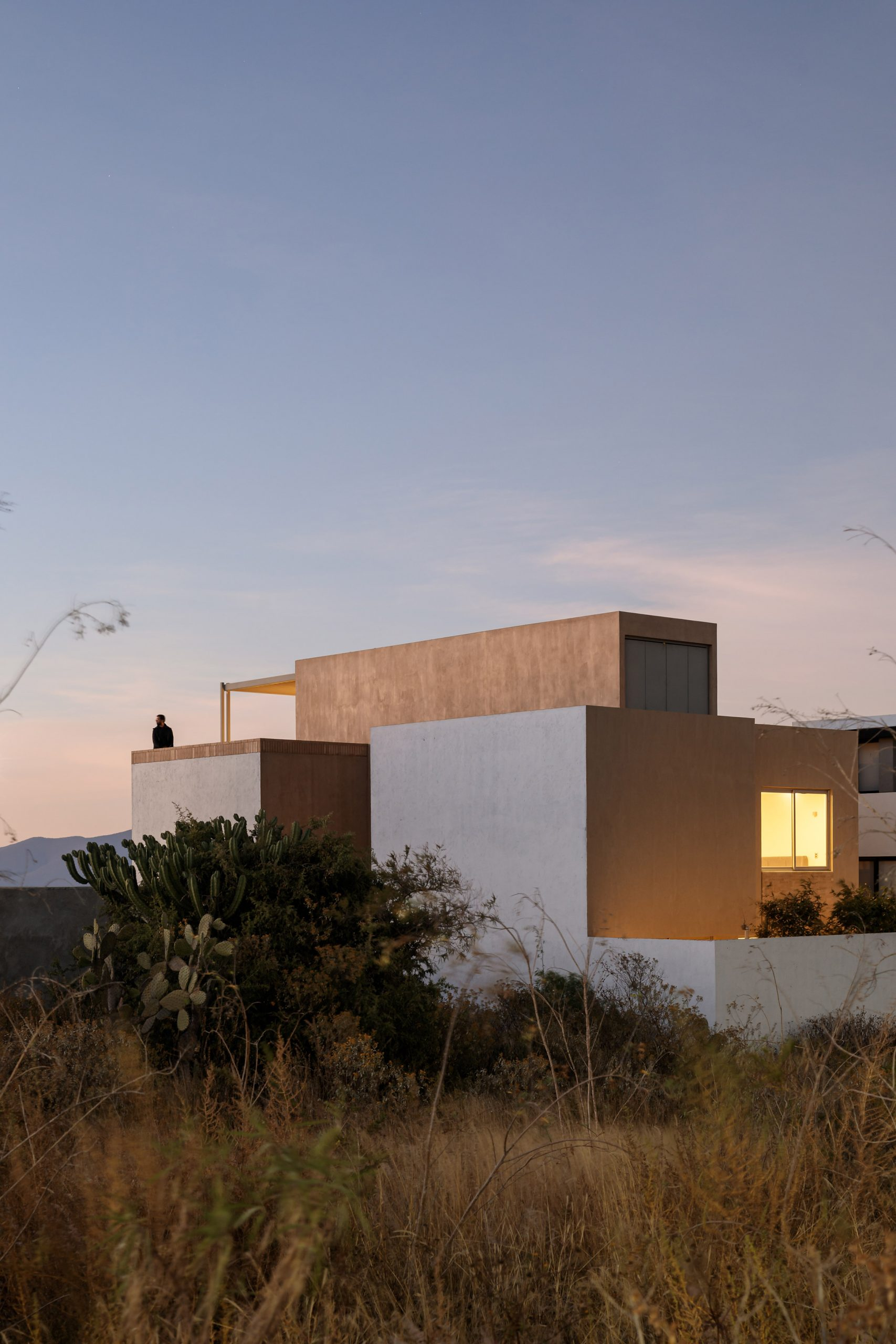View of the back of house in Mexico by Intersticial Arquitectura