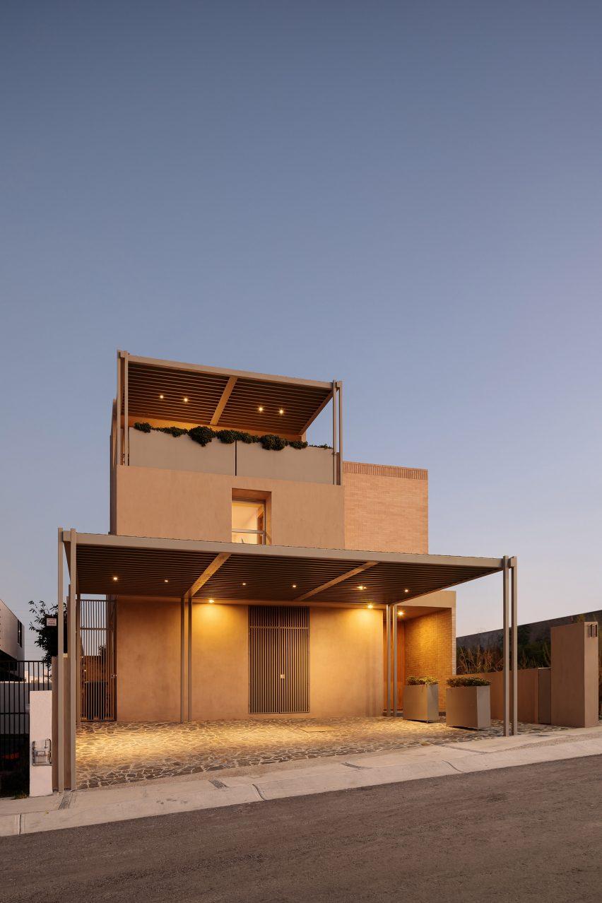Vista exterior de Gaza Yavia por Interstitial Architectura