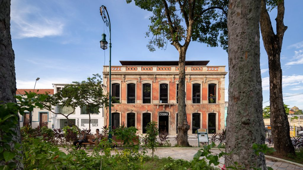 Laurent Troost turns abandoned Brazilian building into co-working venue