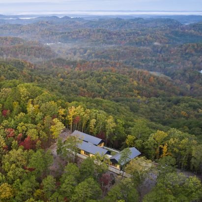 Short Mountain House overlooks the Great Smoky Mountains National Park