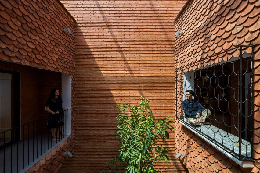 Atrium of 2HIEN house in Vietnam by CTA