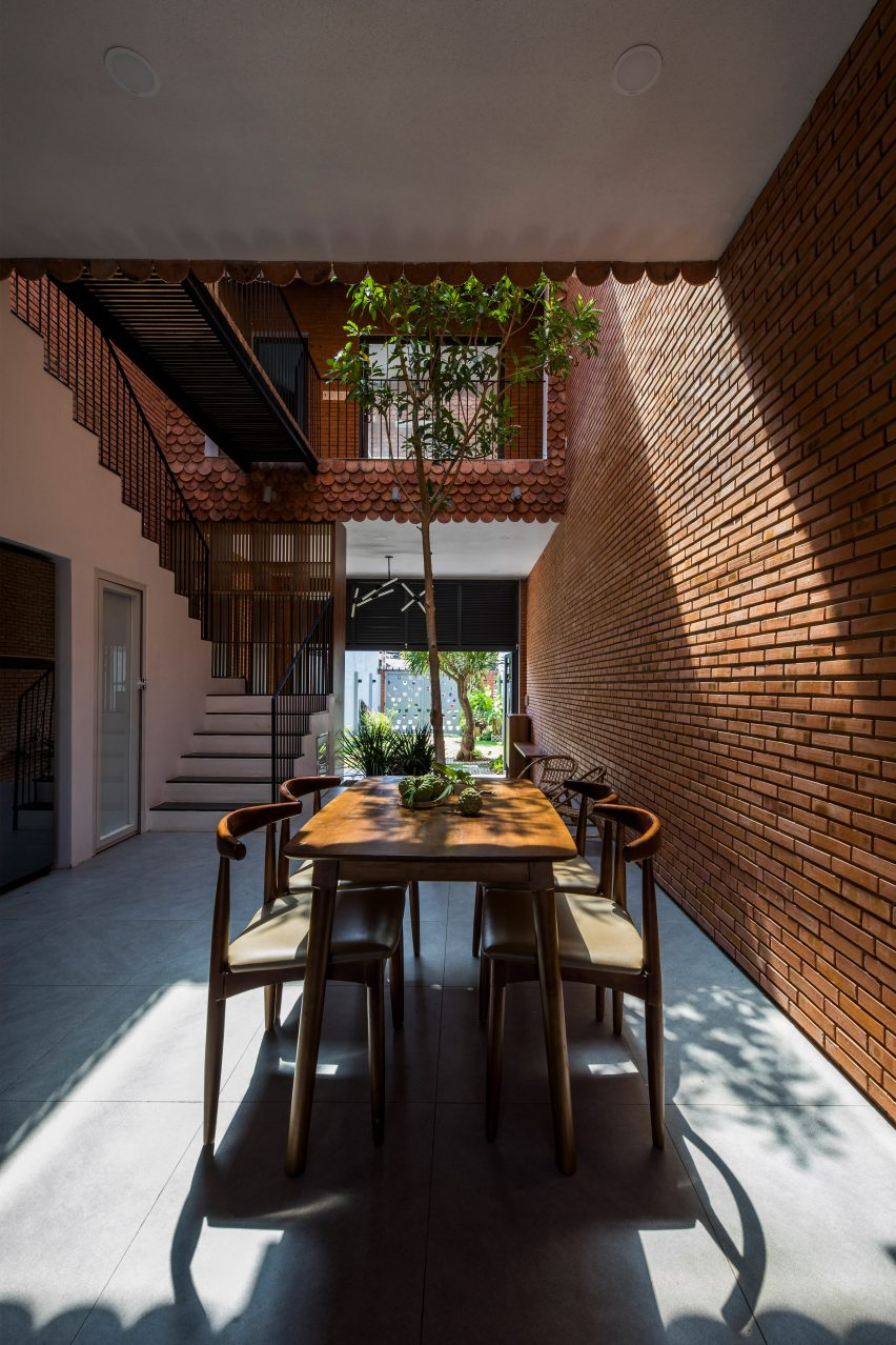 Ground floor of 2HIEN house in Vietnam by CTA