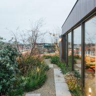 Roof terrace of Penthouse BV by Adjo Studio