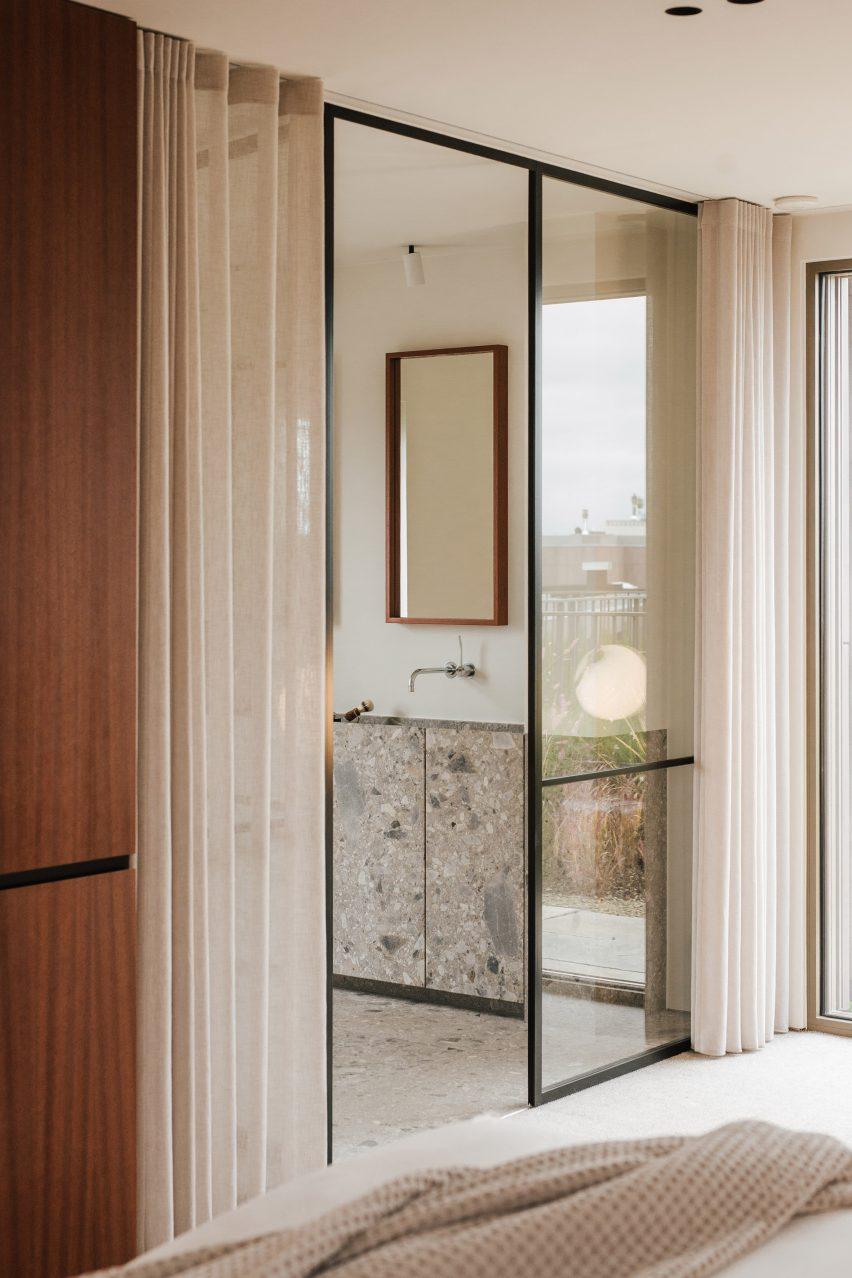 Bathroom in Penthouse BV by Adjo Studio