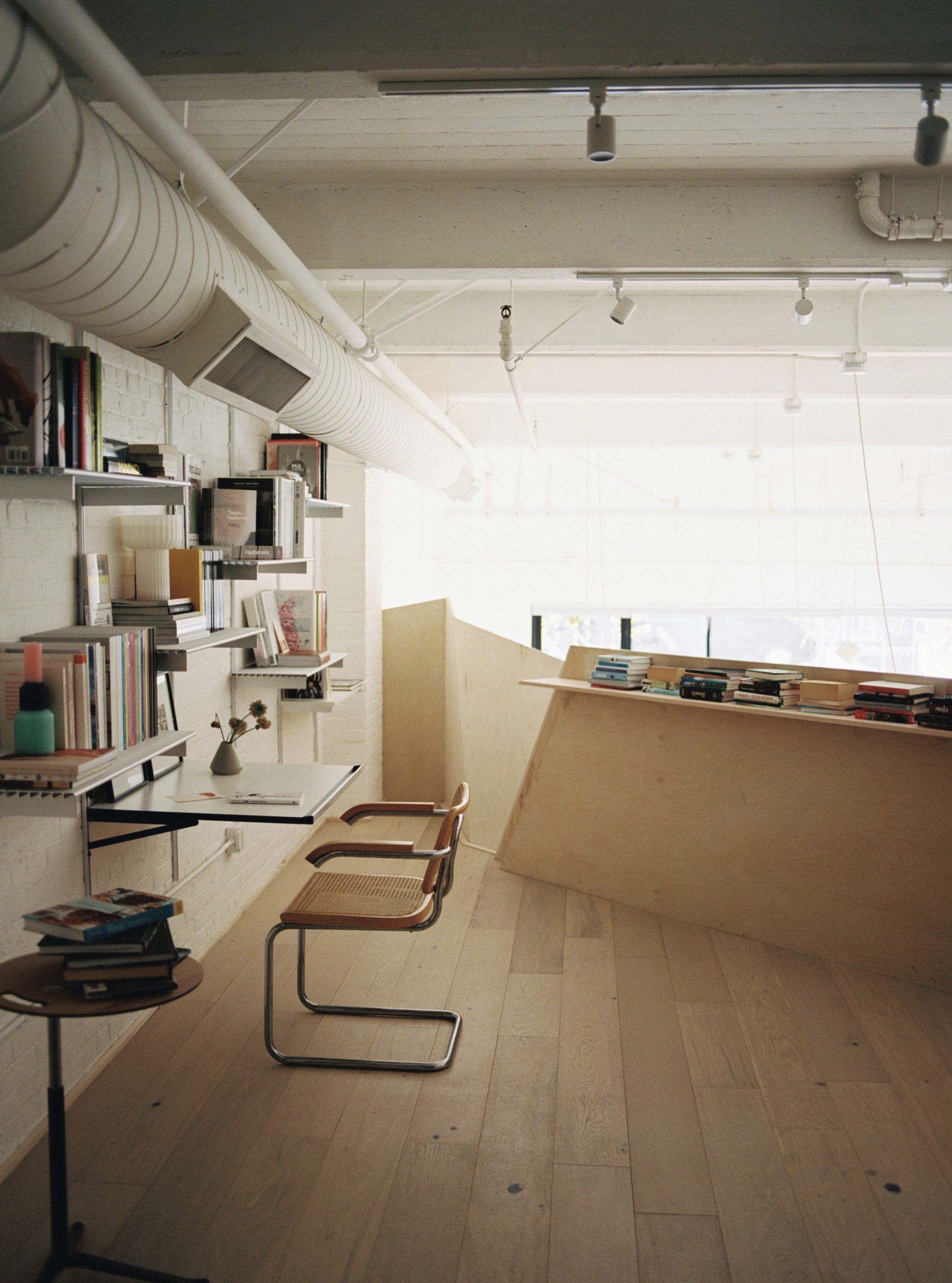 OWIU Studio adds home office space to apartment