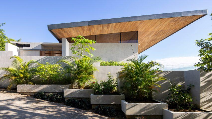 Casa Bell-Lloc by Studio Saxe