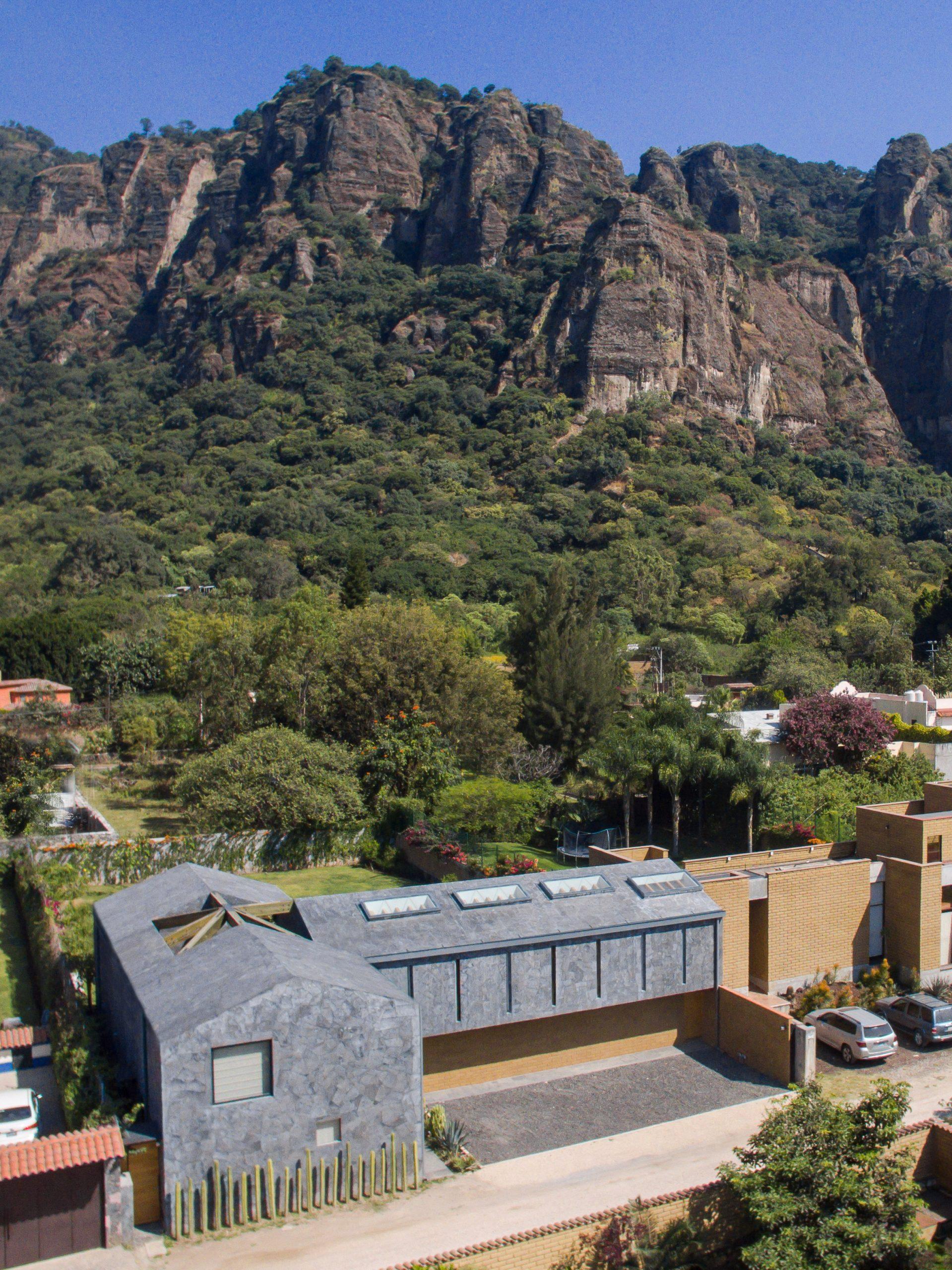 Casa Texcal by HGR Arquitectos