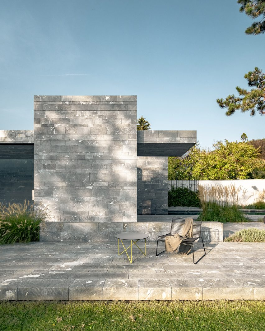 A monolithic spa made from blocks of quartzite