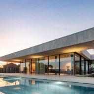 Concrete single-level home