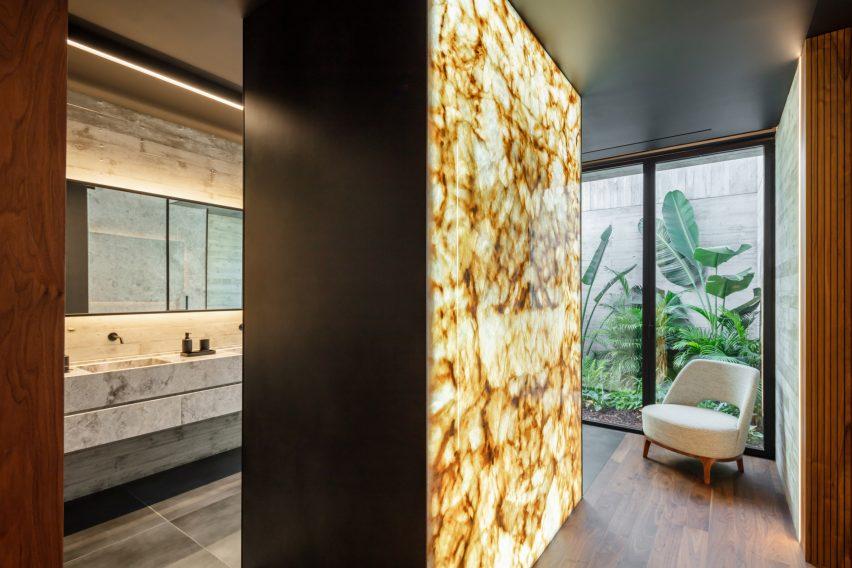 Bathroom in concrete house in Braga