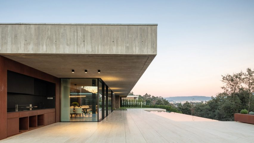 Cork Trees House sits above a grove of trees