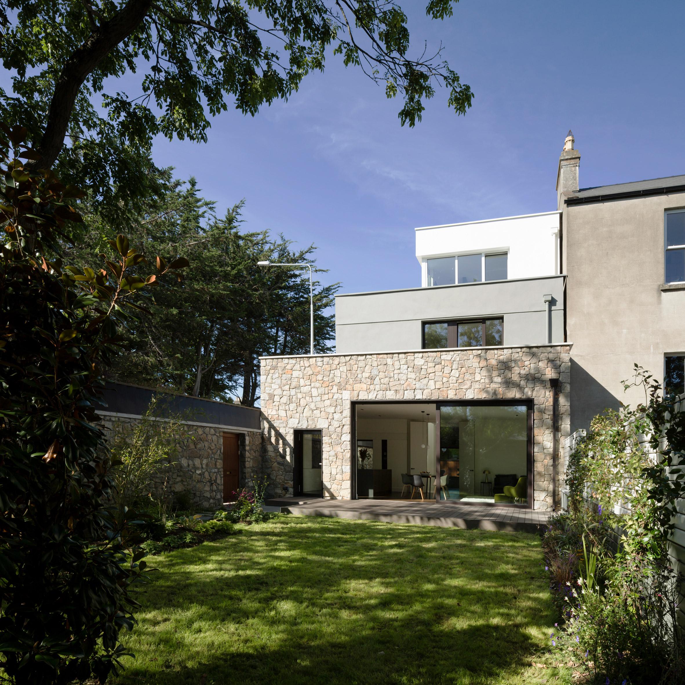 Rear elevation of Corner House by Studio 304