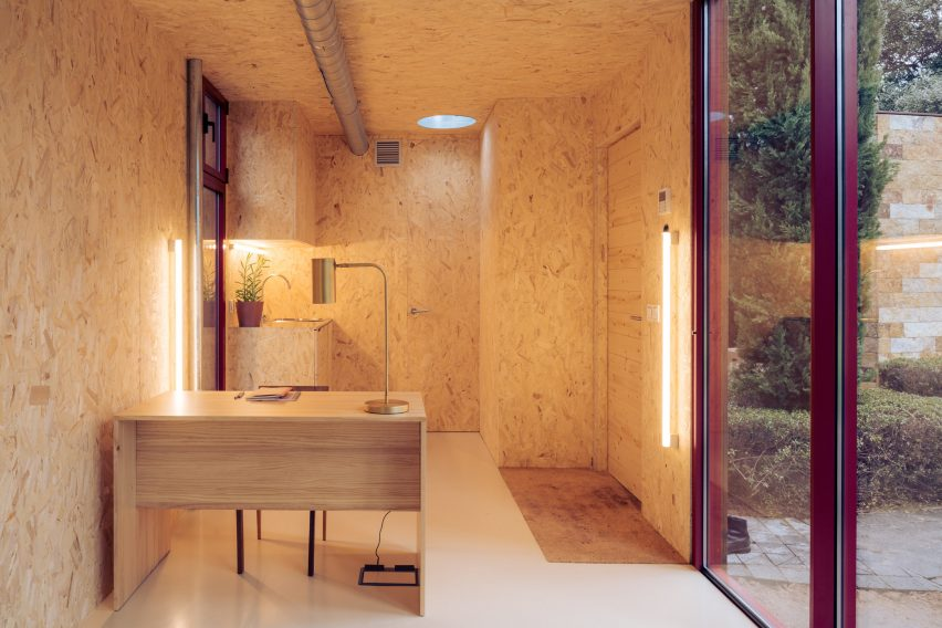 Home office in a Tini cabin