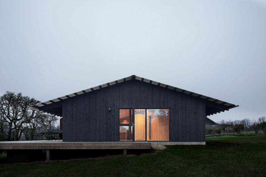 Landry Smith Architect designed the dwelling