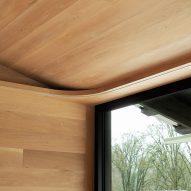 Landry Smith Architect designed the Oregon dwelling