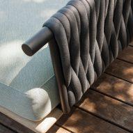 The interwoven padded belt backrest option