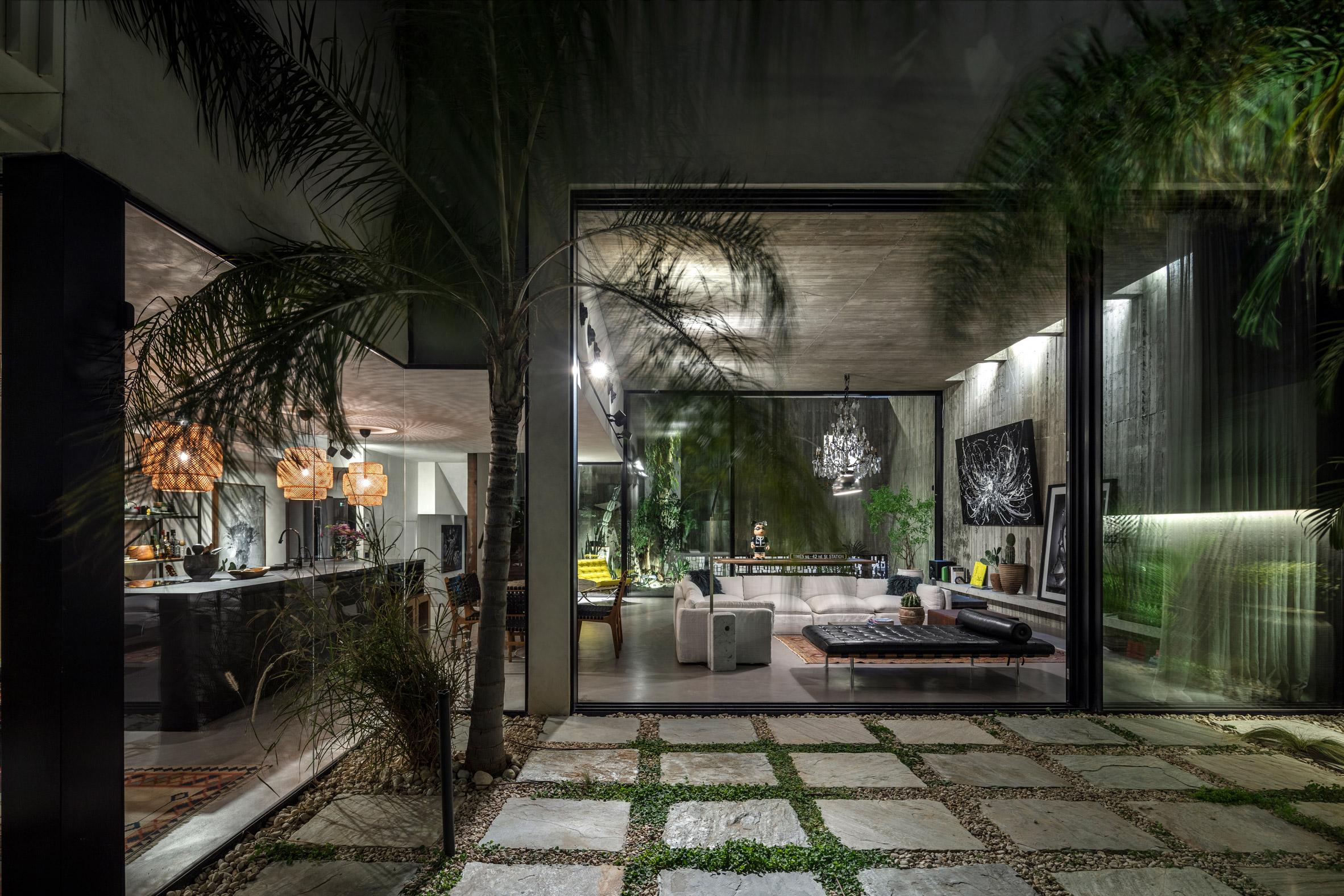 Rear garden of Eucalyptus House by Paritzki & Liani Architects