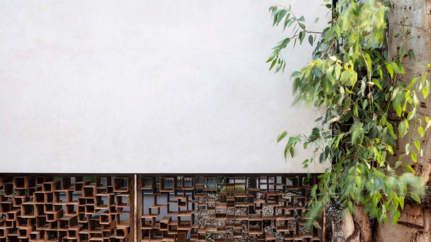 Facade of Eucalyptus House by Paritzki & Liani Architects