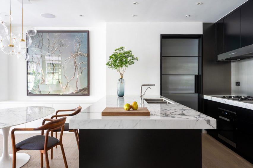 Calacatta marble kitchen in Grosvenor Residence