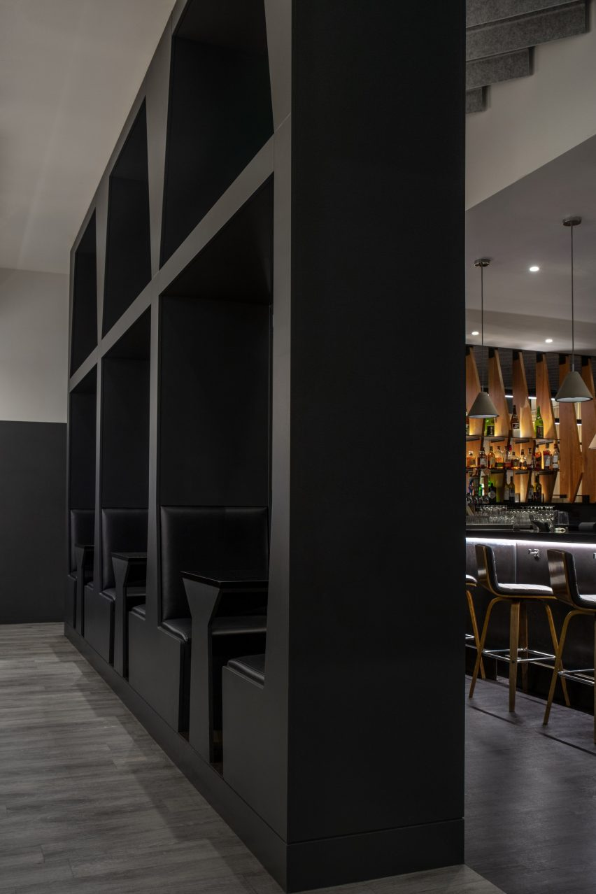 Booths of a restaurant by Roth Sheppard Architects