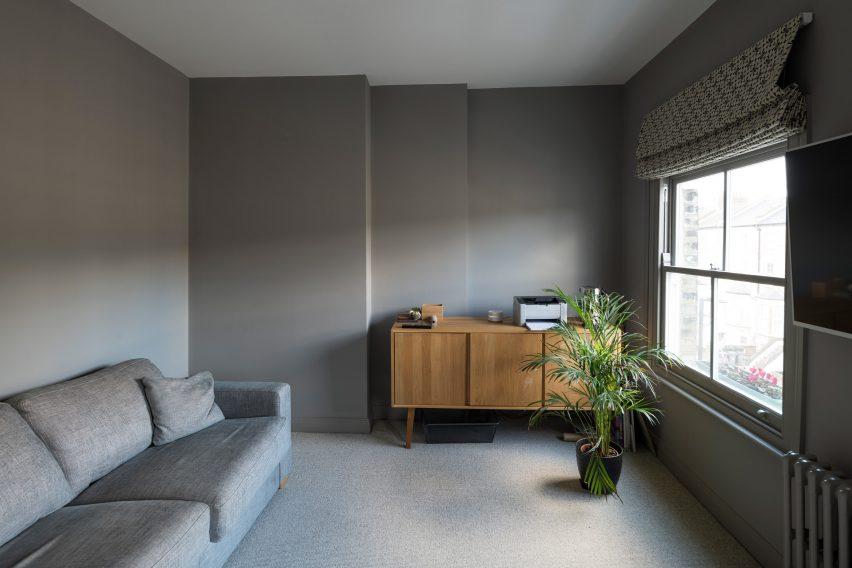 Snug in Haringey Glazed Extension by Satish Jassal Architects