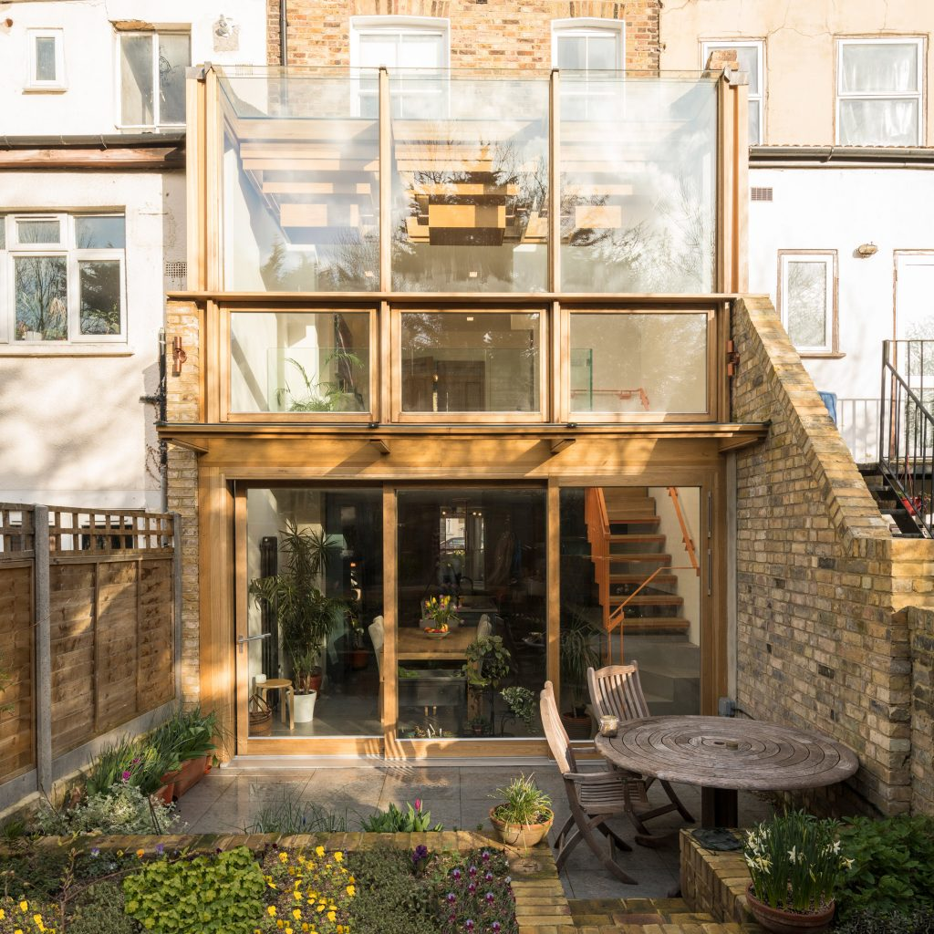 Satish Jassal Architects adds oak framed conservatory to renovated London townhouse