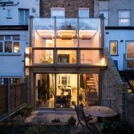 Satish Jassal Architects adds oak framed conservatory to renovated London townhouse