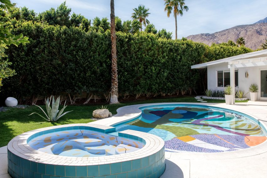 Proba'S Painted Palm Springs Pool Blends With Its Setting