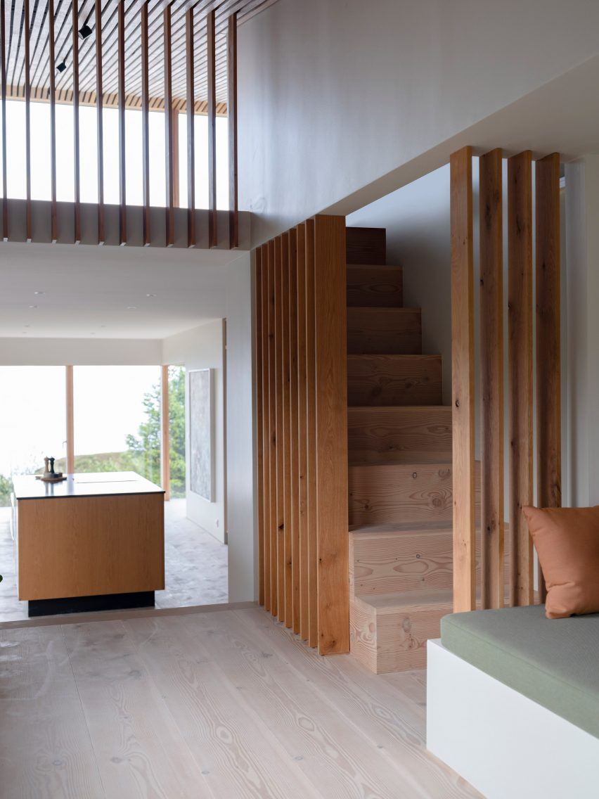 The neutral interiors of a holiday home by KRADS