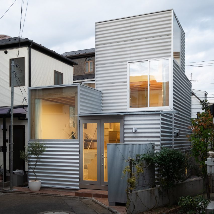 Small Tokyo house with corrugated iron facade