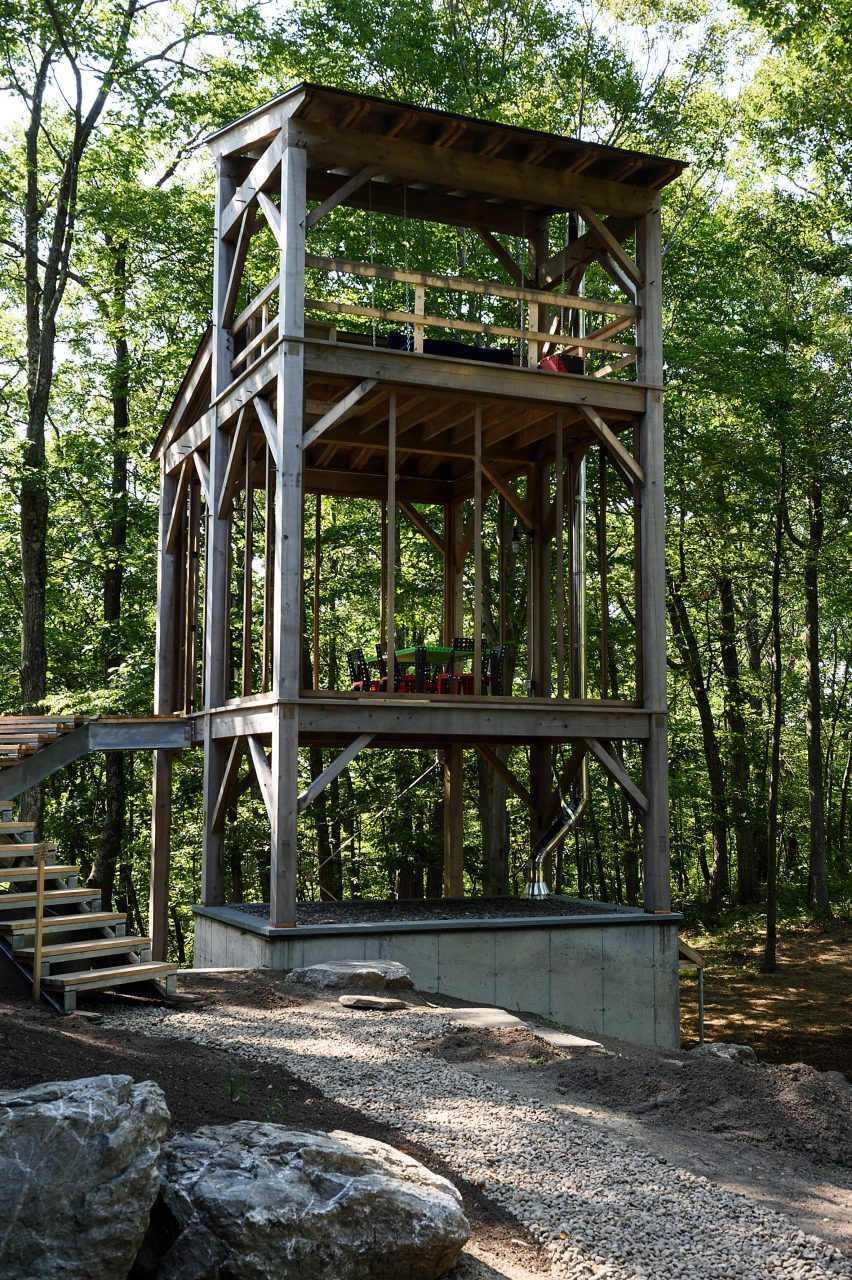 BarlisWedlick adds Sauna Tower to cabin in New York