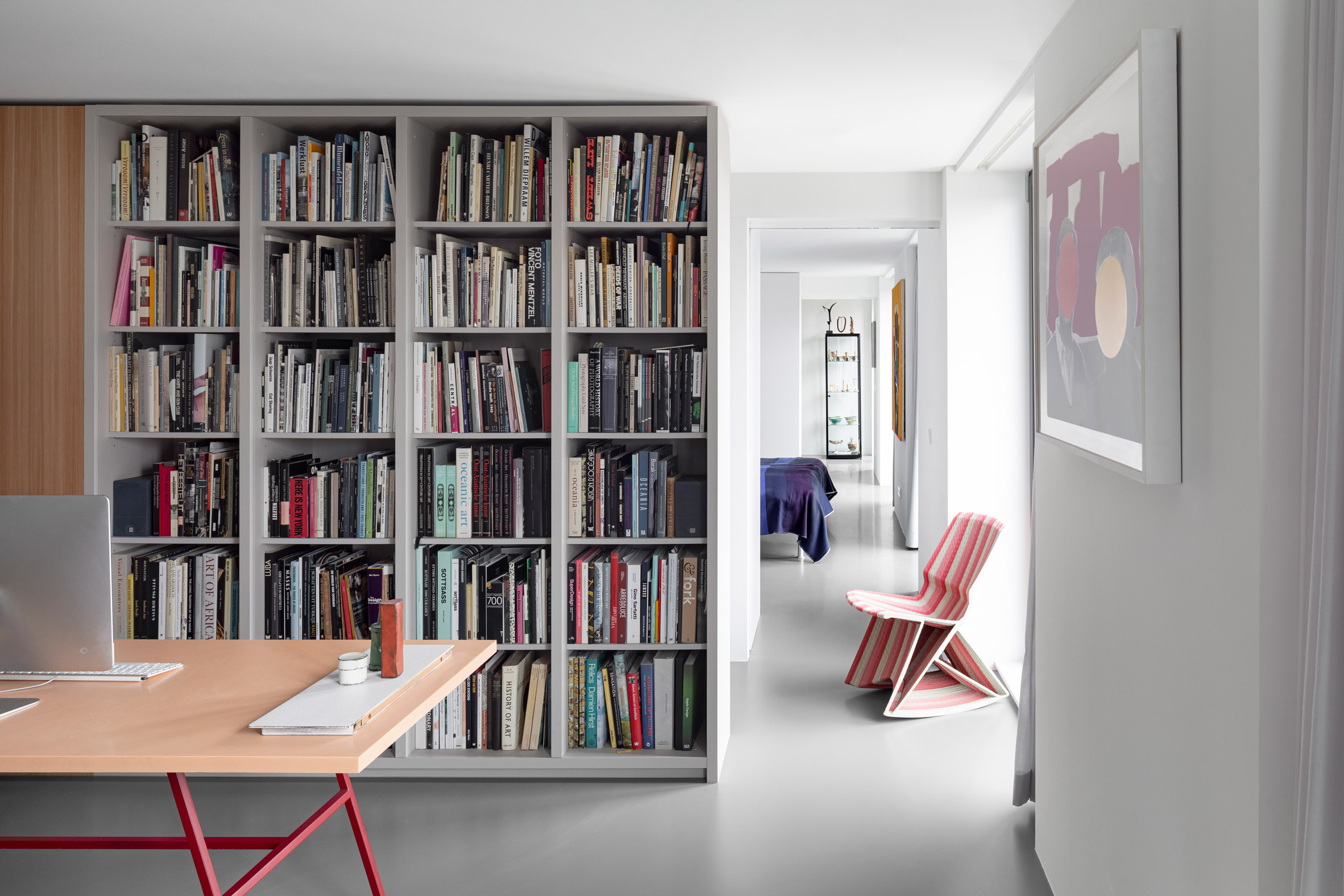 Home office with book shelves in Home of the Arts by i29