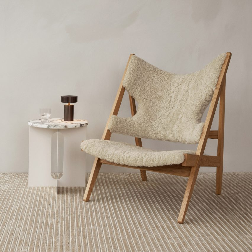 Knitting lounge chair with an oak frame and sheepskin upholstery