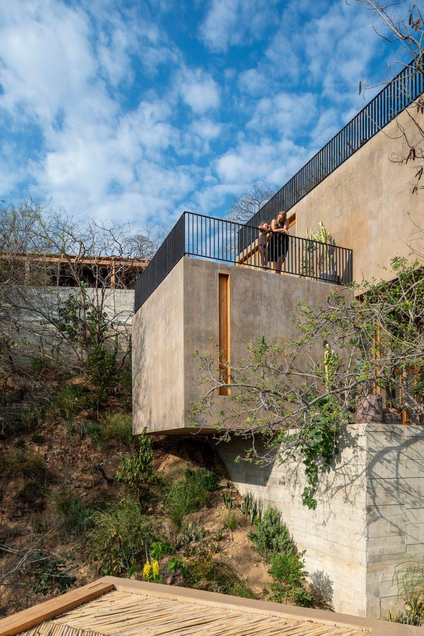Em-Estudio designed the holiday home