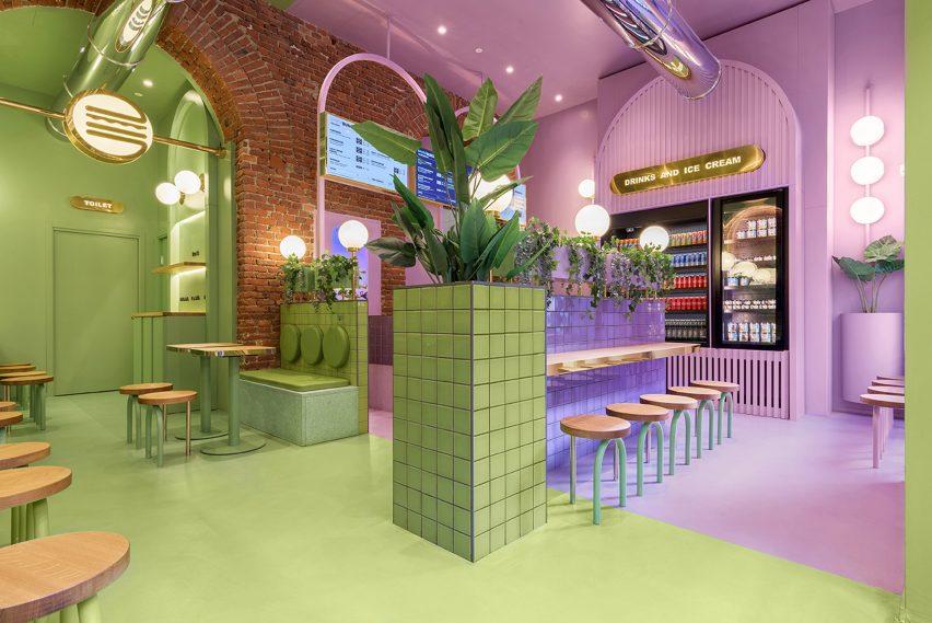 Colour block interior of Bun restaurant by Masquespacio