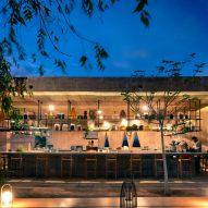 An outside bar