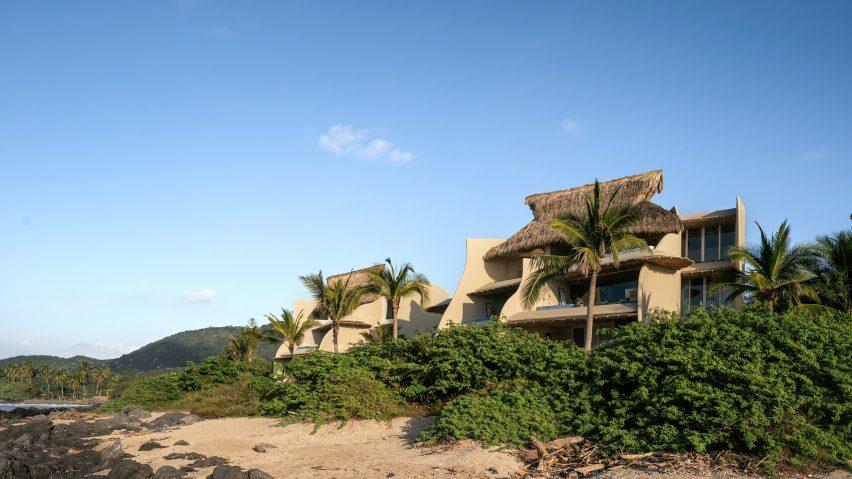 Zozaya Arquitectos have designed beachfront residences in Troncones